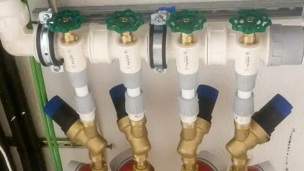 Instalaciones de fontanería en viviendas, acometida de agua